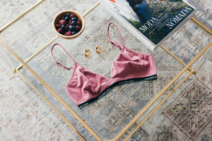 Bodegón sujetador rosa